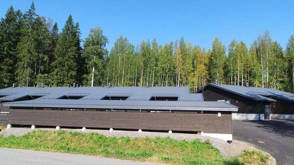 Peltikattoremontit rakennusliikkeille - Henberg Oy